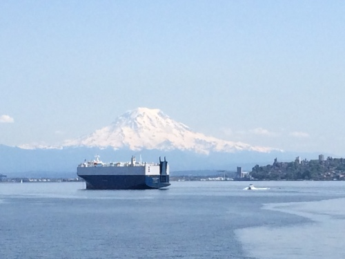 Mt Rainier from the ferry